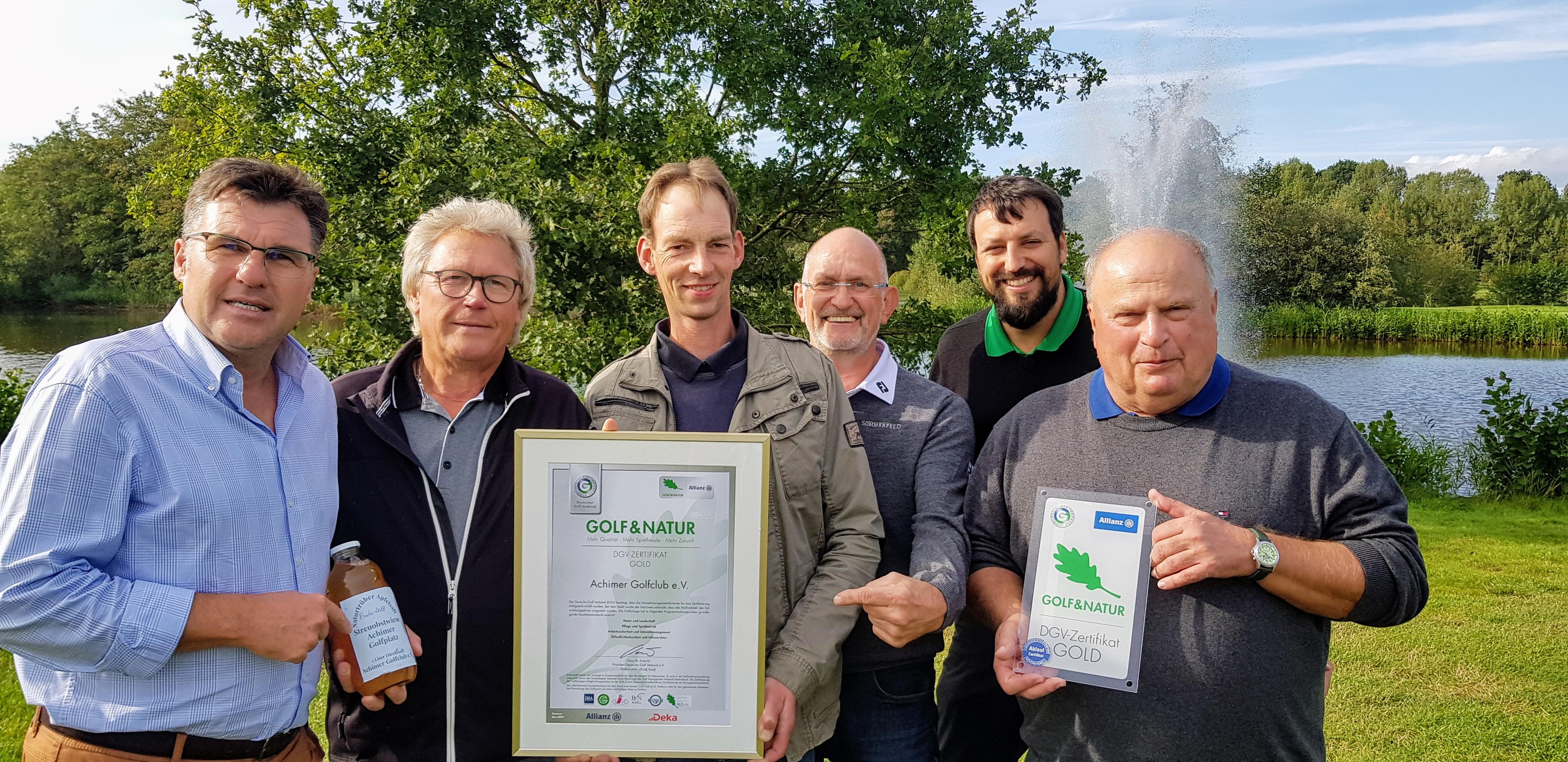 Übergabe des Zertifikat Golf&Natur in Gold im Achimer Golfclub (Bild: Achimer Golfclub)