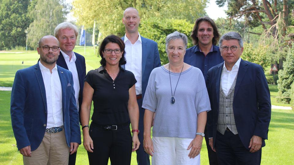 Die Jury-Mitglieder: vlnr.: Christopher Haas, Peter Kromminga, Rita Albrecht-Zander, Dr. Markus Nitsche, Dr. Karin Fehres, Stefan Frommann und Manfred Boschatzke