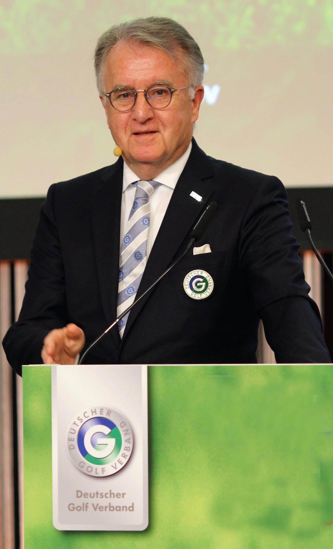 Der neue Schatzmeister des Europäischen Golfverbandes, Achim Battermann, hier auf einer Mitgliederversammlung des DGV (Quelle: DGV)m Battermann