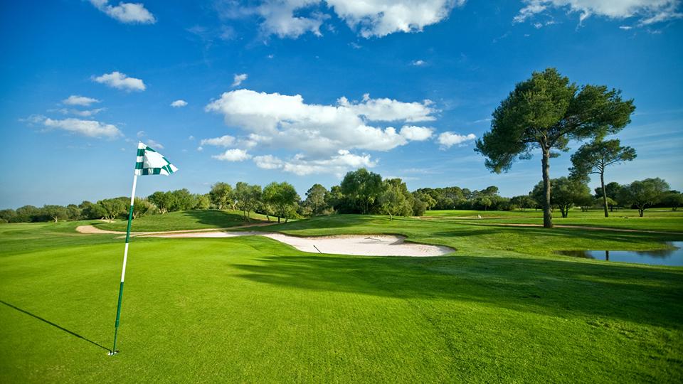 Absage der Golf-Erlebniswoche 2021 (Bild: iStock.com/Nikada)